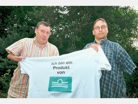 Wolfgang Schasse und Georg Palmüller üben Kritik an der Rede des Konzernleitungs-Vorsitzenden von Grünenthal.