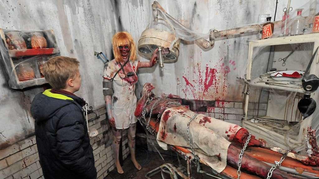Geisterbahn Auf Der Allerheiligenkirmes Soest Gruseln Im Horror Lazarett Soest