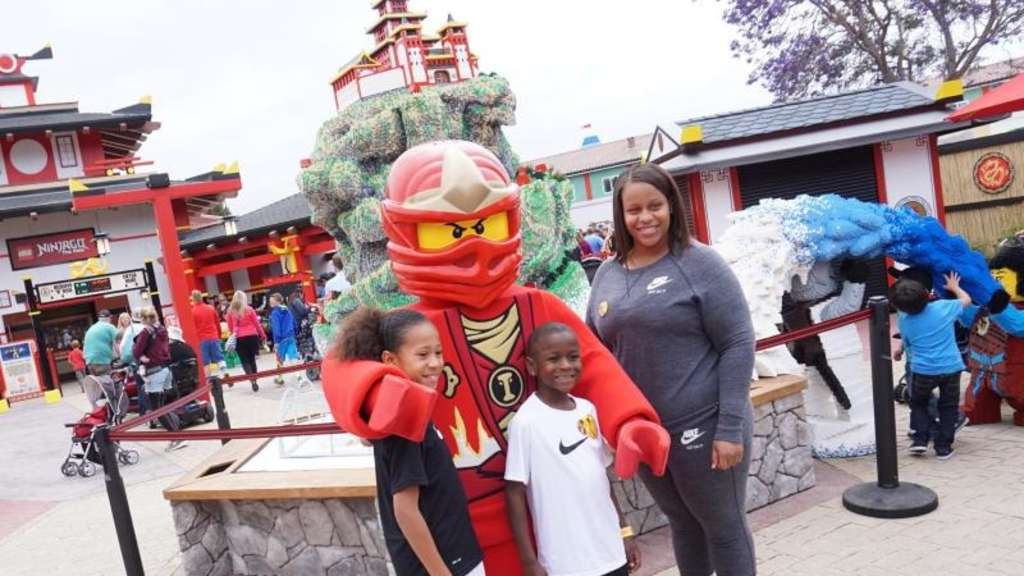"Mit fünf Attraktionen in der neuen Erlebniswelt ""Ninjago World"" ist das Legoland California Resort in die Saison gestartet.    Foto: Legoland California Resort/ Sandy Huffaker"