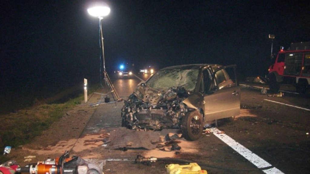 Zwei Menschen bei Unfall auf B1 in Erwitte getötet | Kreis Soest