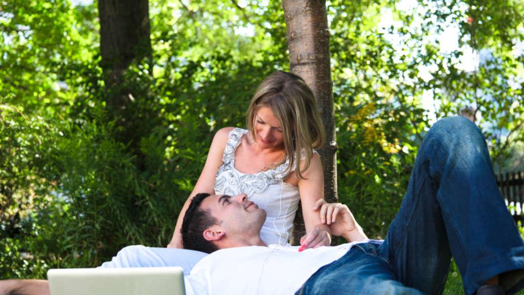 In tiefster gefahr online dating