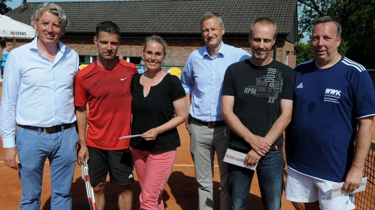malinowski hendriks und welter siegen bei wickeder gerbens open im tennis lokalsport. Black Bedroom Furniture Sets. Home Design Ideas