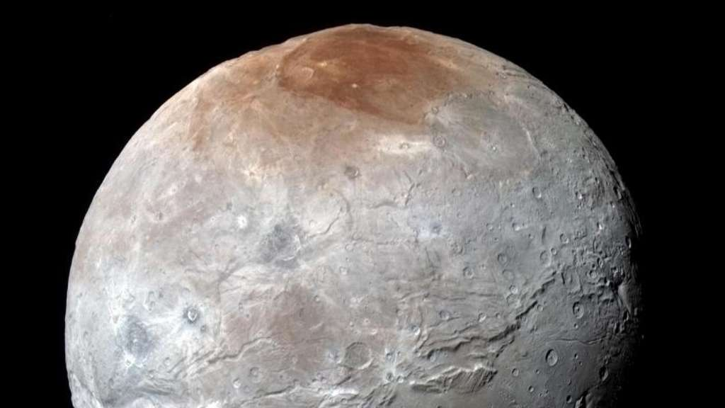 Farbaufnahme von Plutomond Charon - aufgenommen von der Raumsonde New Horizons. Foto: NASA/Johns Hopkins University Applied Physics Laboratory/Southwest Research Institute