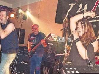 "Zweite Rocknacht mit den Bands ""Juice"" und ""Under The Basement"""