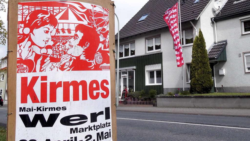 Die Stadt Werl will wildes Plakatieren verbieten. | Werl