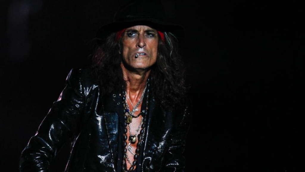 aerosmith-gitarrist-joe-perry-kollabiert-dpa.jpg