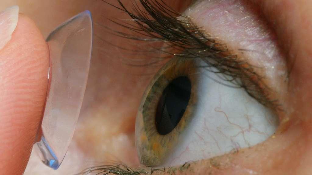 gef hrlich machen sie auch diese f nf fehler bei kontaktlinsen gesundheit. Black Bedroom Furniture Sets. Home Design Ideas