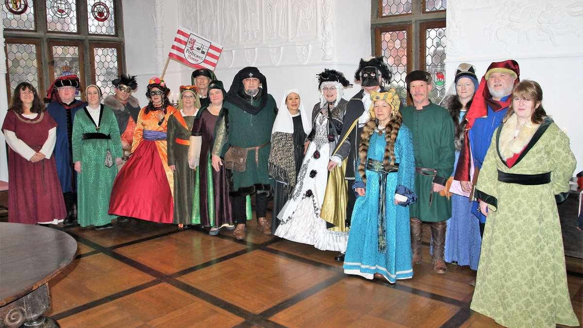Soester Gruppe Firlitanz entsendet Delegation zum Karneval in ...