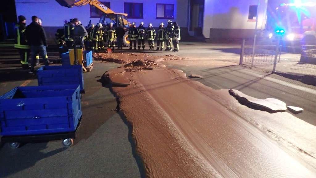 ドイツのチョコレート工場から溢れ出た液状チョコ