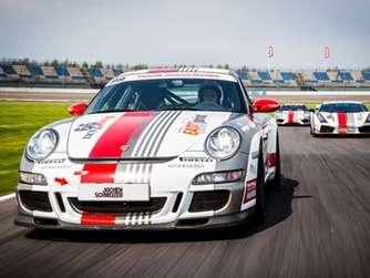 c01d5d0dbad Mit dem Porsche Renntaxi über den legendären Nürburgring