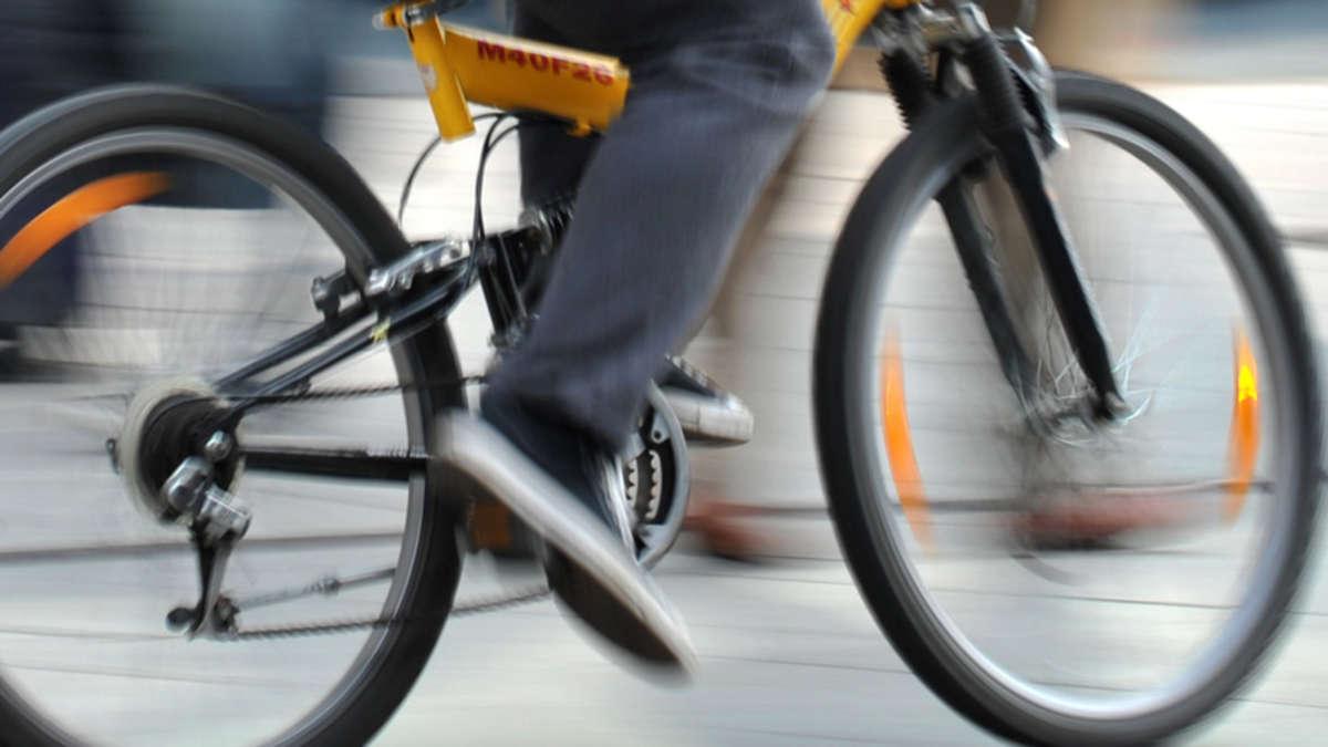 unfall am s dring in geseke mit fahrrad und pkw radfahrer. Black Bedroom Furniture Sets. Home Design Ideas