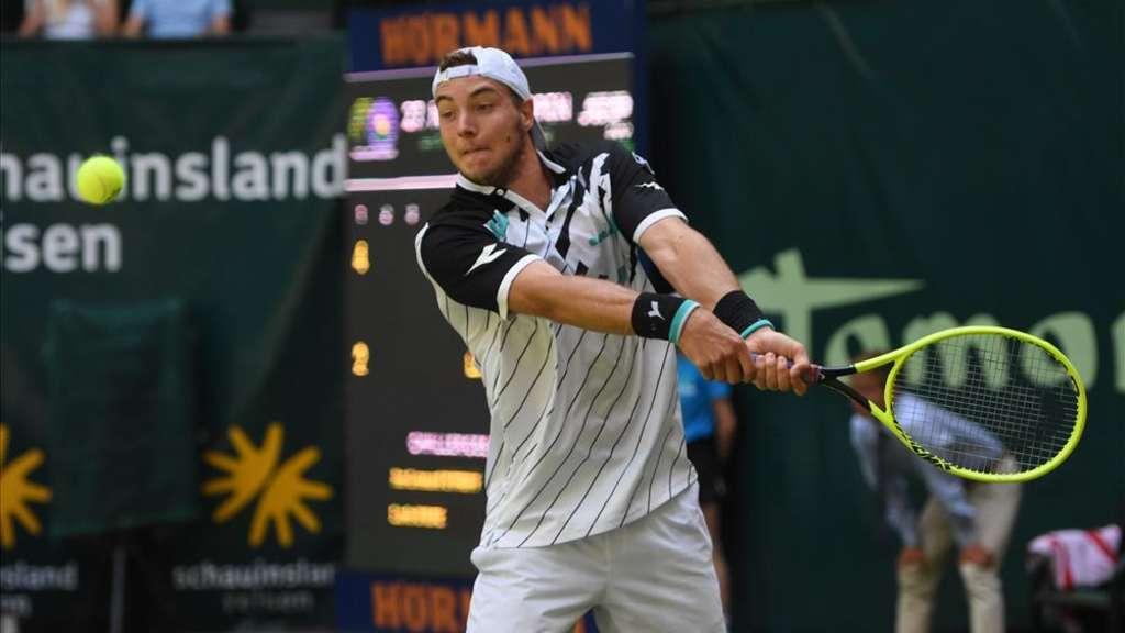 Fluch besiegt: Jan-Lennard Struff gewinnt allererstes Match in Halle