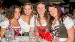 """O´zapft is"": Oktoberfest in Büderich"