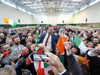 Parlamentswahl in Irland: Sinn Fein sucht Koalitionspartner