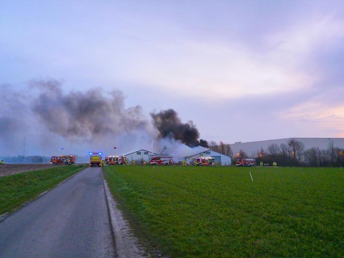 Brand eines Strohlagers in Büderich